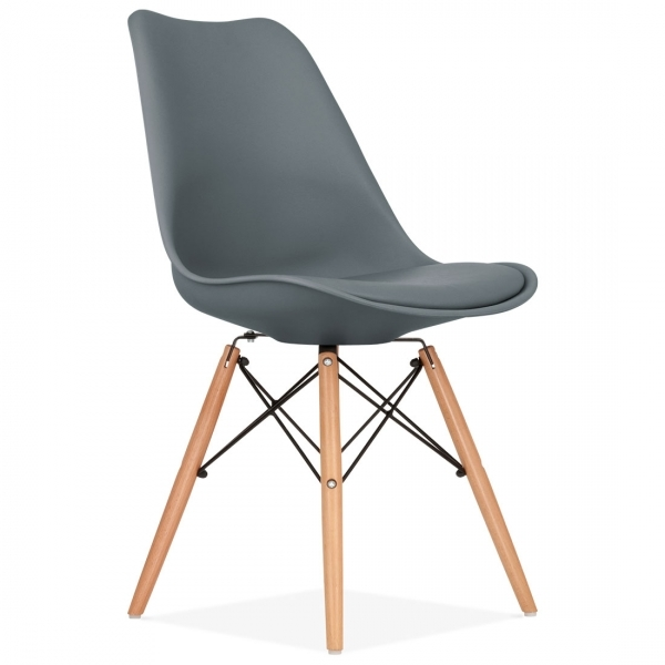chaise eames inspired gris avec pieds dsw en bois cult uk. Black Bedroom Furniture Sets. Home Design Ideas