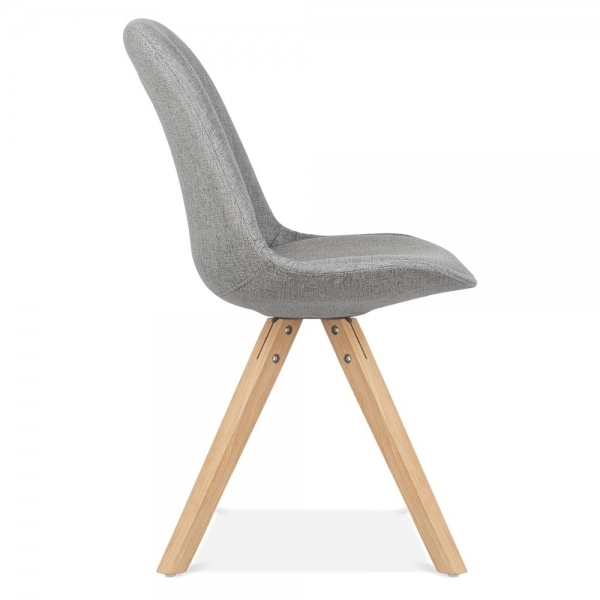Amazing Eames Inspired Chaise En Tissu Avec Pieds Pyramide Bois De Chne Massif Gris Froid With