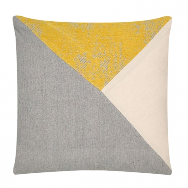 coussin triangle gris jaune 45cm x 45cm coussins modernes pour canap. Black Bedroom Furniture Sets. Home Design Ideas