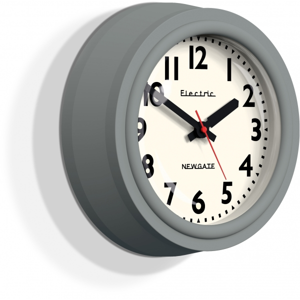 Horloge newgate telectric en gris cult furniture for Horloge grise